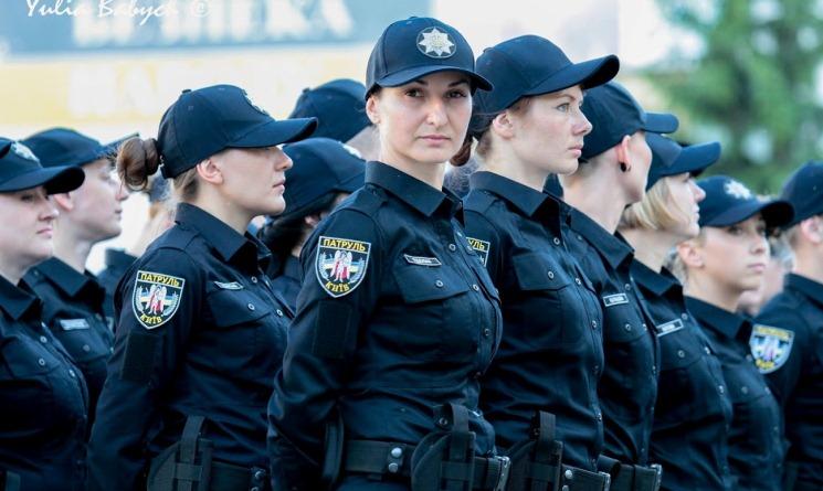 київські поліцейські вгамували нетверезого дебошира на Хрещатику