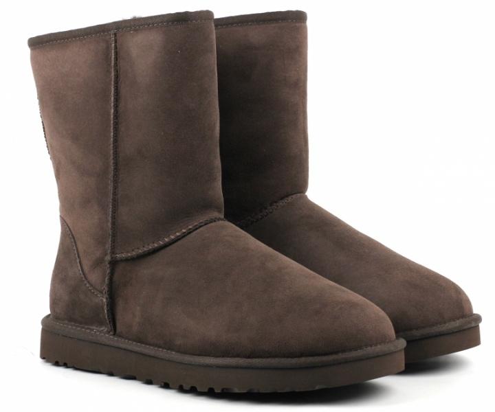 ec2e8688e279e9 В цілому найвищі бали отримав варіант УГГ, який виконаний у вигляді черевик  середньої довжини на міцній гумовій підошві. Вони мають супер зручні та ...