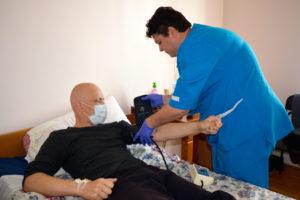 ezhednevnyj-kontrol-za-sostoyaniem-zdorovya-pacienta-v-otdelenii-gematologii