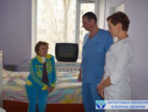 specialisty-konsultiruyut-pacientku